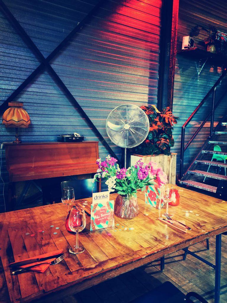 EM2 Groningen - Reserveer een tafel binnen